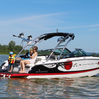 Four Winn boat with wakeboard tower